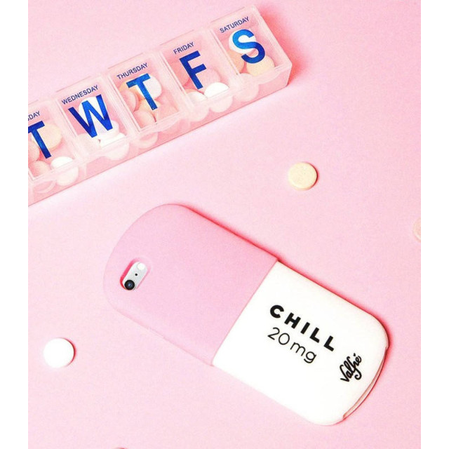 【iPhone8/7 ケース】CHILL PILL - PINK