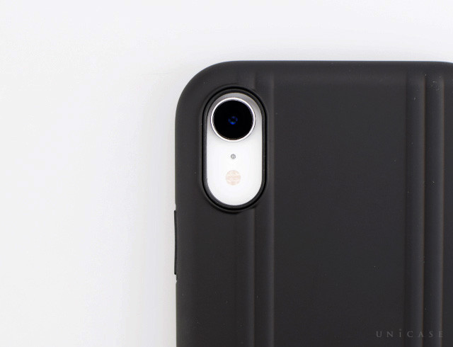 【iPhoneXR ケース】ZERO HALLIBURTON Hybrid Shockproof case for iPhoneXR (Black)装着レビュー カメラ
